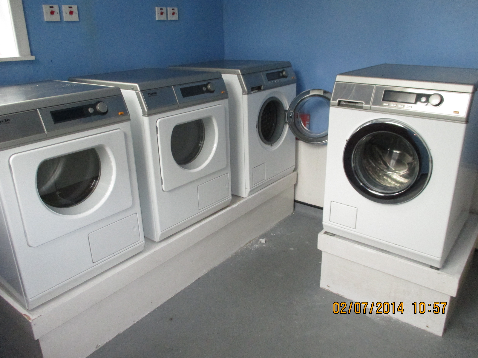 Tumble Dryer And Washing Combined Machine ~ Commercial washing machines tumble dryers for sale